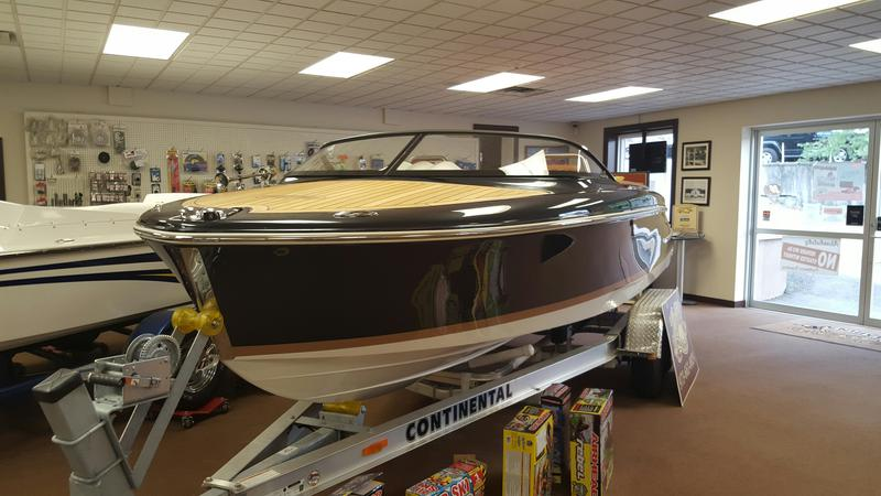 2015 Chris Craft Capri