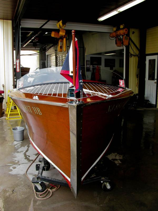 1937 Chris Craft Deluxe Runabout