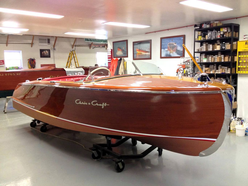 1952 18 39 chris craft riviera for Chris craft boat restoration