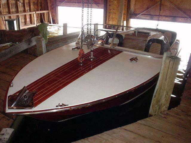 1962 20' Chris Craft Holiday
